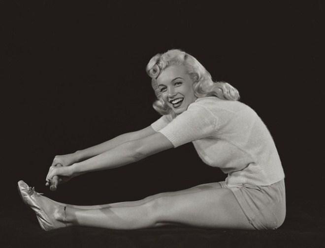 marilyn-monroe-yoga-forward-bend